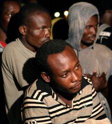 Detenidos 17 inmigrantes llegados en una patera a Motril