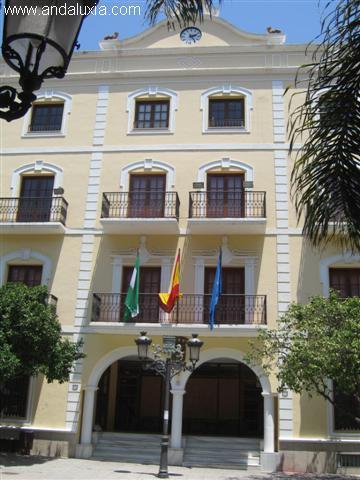 El Ayuntamiento de Almuñécar pretende renovar y actualizar el Convenio Laboral de la plantilla municipal