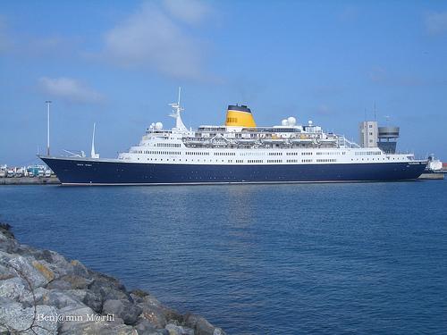El último crucero del año está consignado por Terminal Marítima Granada, el nuevo operador logístico del Puerto de Motril