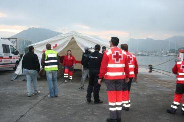Cruz Roja atiende este año a unos 1.600 inmigrantes llegados en patera a Motril, el doble que en 2010