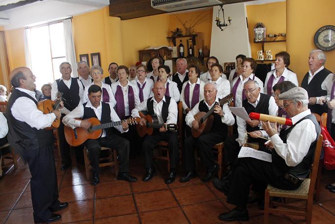 Órgiva se convierte en sede de un encuentro navideño entre mayores de la Alpujarra