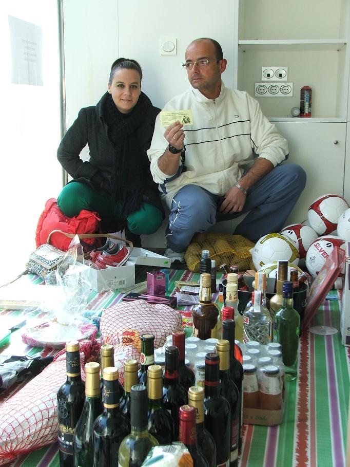 Entrega de la cesta de Navidad en Salobreña