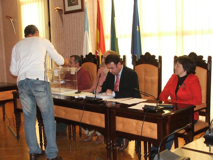 Gonzalo Fernandez Pulido, MªCarmen Callejón, por el PSOE y Javier Ortega, miembro no adscrito representantes de Salobreña en la Mancomunidad