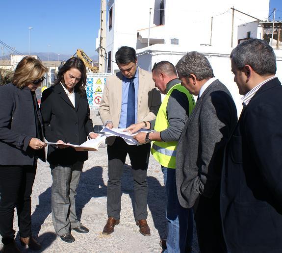 Diputación de Granada invierte 71.000 euros en el acerado de la carretera de Puntalón