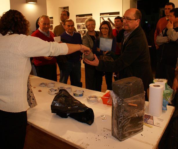 Lleno absoluto en el MHIMO con el taller 'El Museo pieza a pieza'
