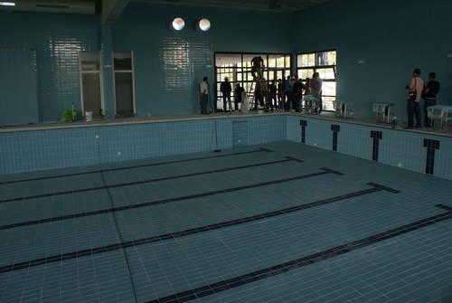 El Ayuntamiento de Motril saca a licitación la explotación de la piscina cubierta de Los Álamos