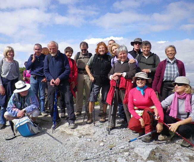 Los senderistas sexitanos recorrieron la zona de Dílar, al pie de Sierra Nevada