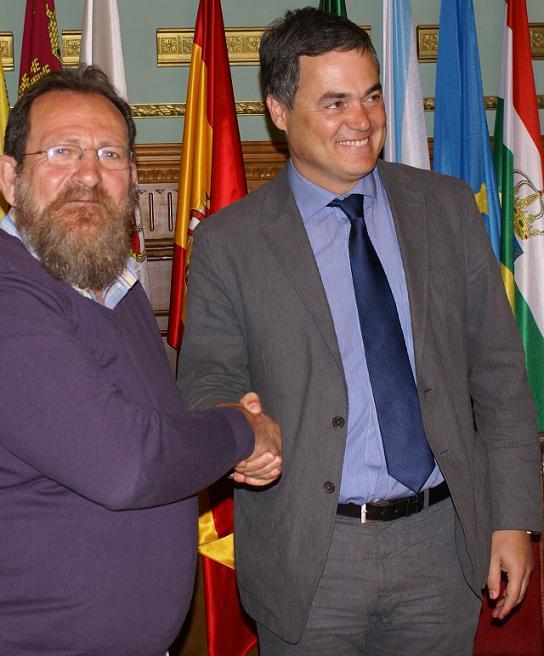 Motril y Torrenueva firma un acuerdo en materia de financiación