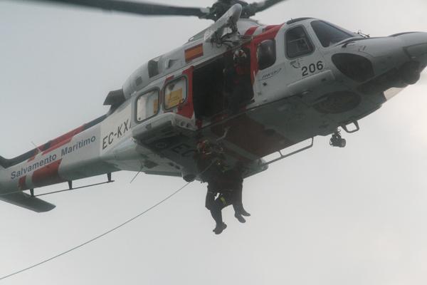 Evacúan de urgencia al hospital de Motril al tripulante de un mercante en alta mar