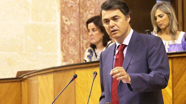 """Rojas (PP-A) afronta con """"ilusión y muchas ganas"""" su nuevo cargo como portavoz, que agradece al """"maestro"""" Arenas"""
