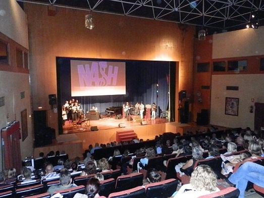 El Festival Nash Music  de Almuñécar  dona la recaudación de la venta de las entradas a la Asociación de Prevención y Ayuda al Toxicómano (APAT)