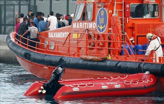 Salvamento Marítimo retira el operativo de búsqueda de una patera en Alborán