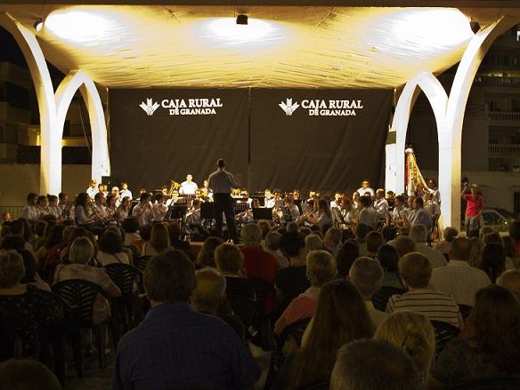 Las Bandas de Música de Almuñécar y Albolote celebraron el hermanamiento musical en La Herradura