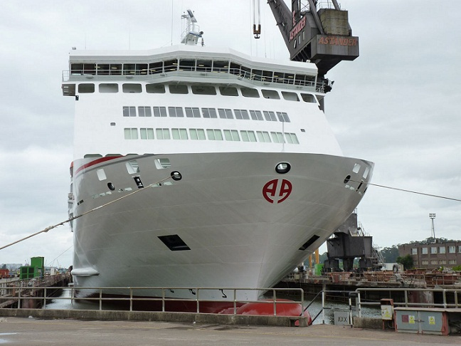 La naviera Armas consolida la línea marítima Melilla-Motril y estudia operar en Almería