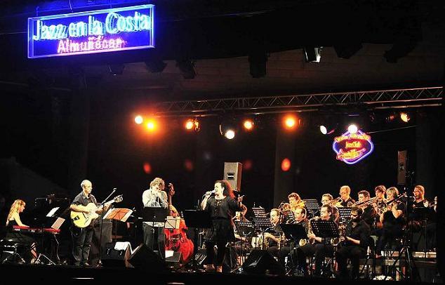 23 de julio de 2012  La Granada Big Band clausura el festival Jazz en la Costa en su vigésimo quinto aniversario