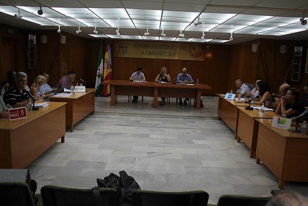 El pleno del Ayuntamiento de Almuñécar acuerda la nulidad de las licencias de obras y ocupación de la casa del ex arquitecto municipal