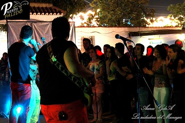 'La sudadera del Manager' amenizó la noche de la caseta 'Puerto Pálido'