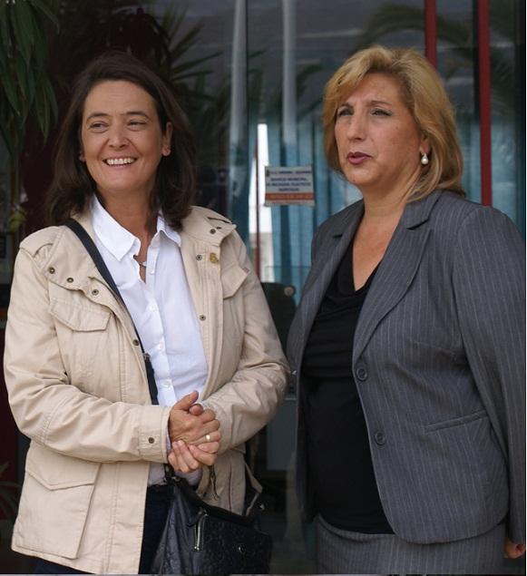 La alcaldesa de Motril  realiza una visita institucional a las ELAs  de Carchuna-Calahonda y Torrenueva