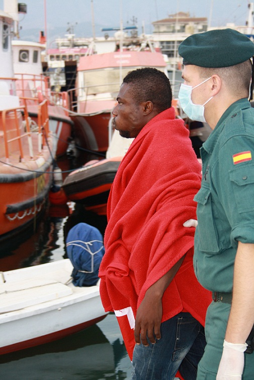 Detienen al patrón de una patera interceptada con 24 inmigrantes en Motril