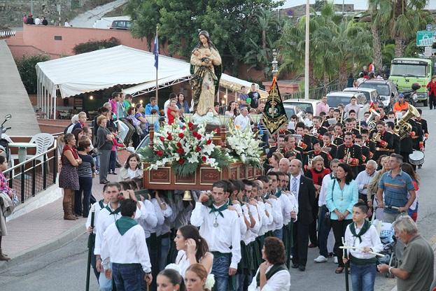 Torrecuevas procesionó a la Virgen Madre con toda solemnidad y devoción