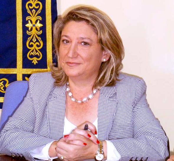 La alcaldesa de Almuñécar muestra  su sorpresa ante la queja de la Defensora del Pueblo porque no se había contestado un asunto urbanístico