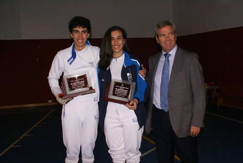 El Ayuntamiento de Motril reconoce los éxitos deportivos de los hermanos esgrimistas Jiménez Quesada