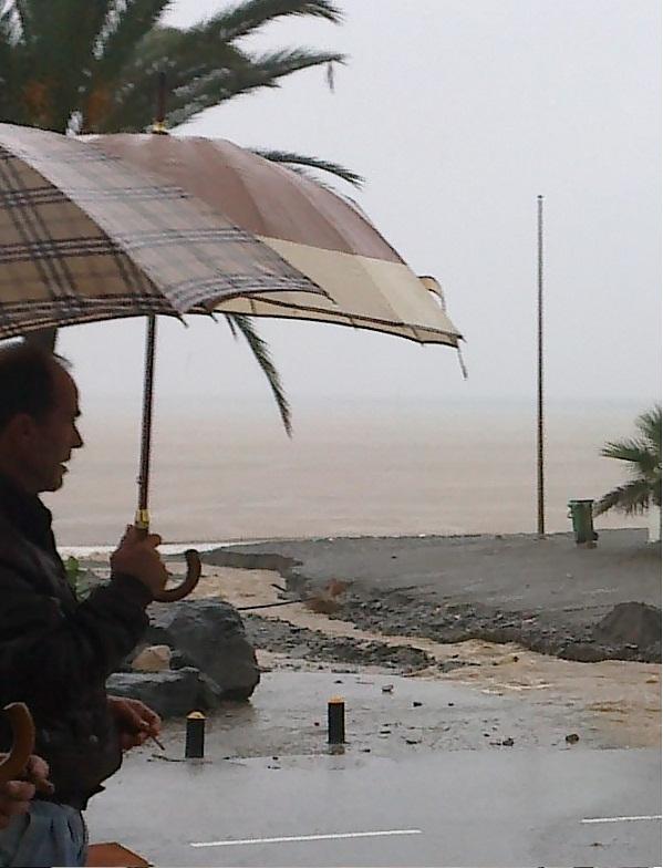 Llueve torrecialmente en Almuñécar y La Herradura