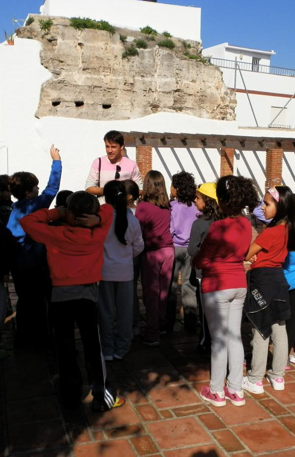 El Ayuntamiento de Almuñécar apuesta por la difusión del patrimonio cultural entre los estudiantes