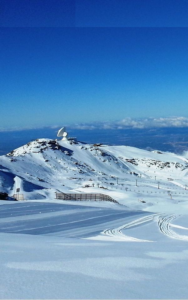 Sierra Nevada inaugura mañana la temporada con 11,5 kilómetros de pistas en Veleta y Borreguiles