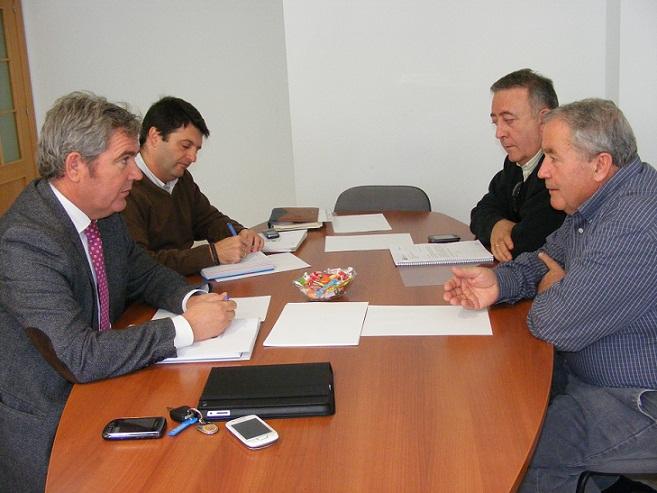 García Fuentes se une a la reivindicación de la Comunidad General de Regantes para exigir las canalizaciones de la presa de Rules