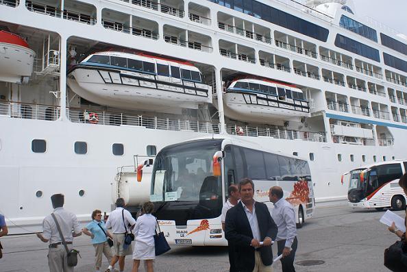 Motril acoge casi un 50% más de cruceristas