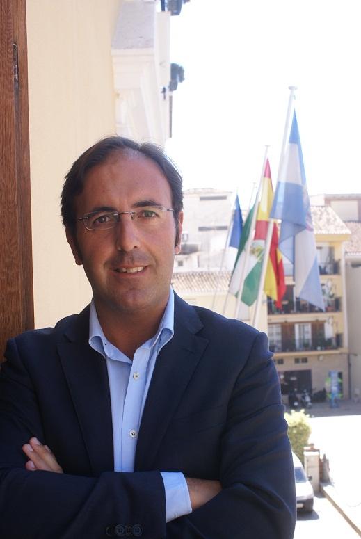 Ortega Tovar asegura que el espacio de ocio joven cumple todas las normas de seguridad
