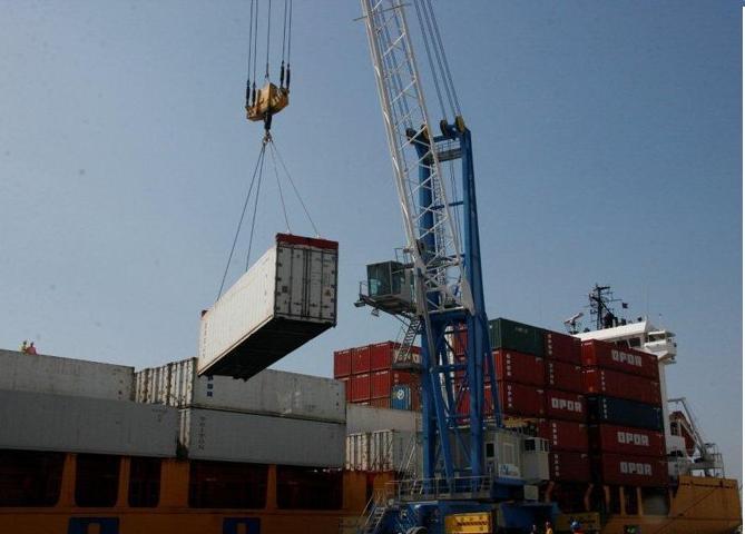 Crece un 70 % tráfico de contenedores en el puerto Motril