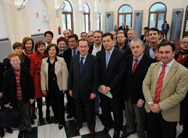 Justicia impulsa convenios de colaboración con 65 ayuntamientos para favorecer la reinserción de menores infractores