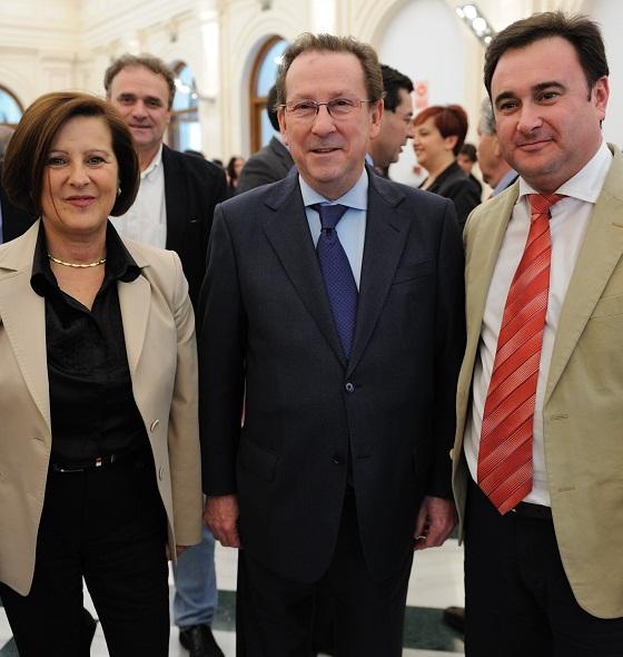 SALOBREÑA FIRMA EL CONVENIO DE COLABORACIÓN  PARA  FAVORECER LA REINSERCIÓN DE LOS MENORES INFRACTORES