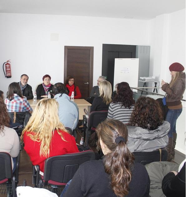 Vecinos de Órgiva orientan sus perspectivas laborales hacia la atención sociosanitaria