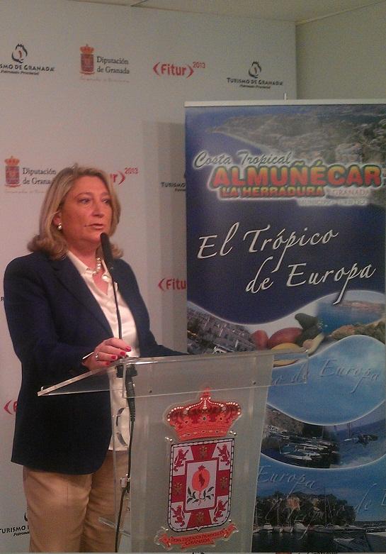 Almuñécar presenta en Fitur un convenio de promoción con el portal de reservas Destinia