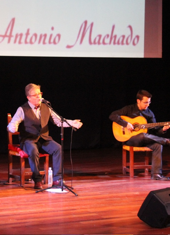 """Almuñécar acogió un espectáculo flamenco y poético bajo el nombre de """"Al encuentro de Antonio Machado"""""""