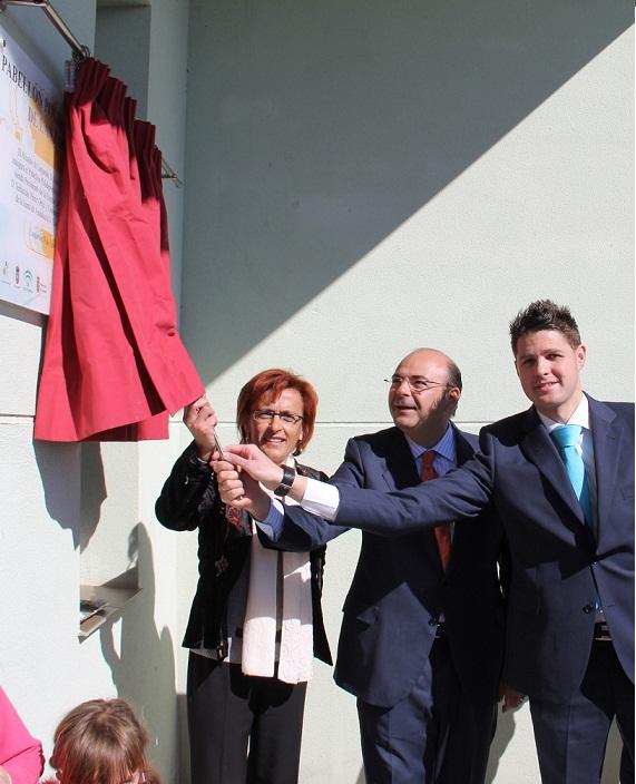 El presidente de la Diputación inaugura el nuevo pabellón polideportivo de Lanjarón