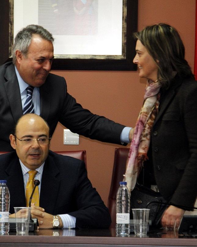 """Sebastián Pérez destaca en Polopos-La Mamola la """"ayuda directa"""" de la Diputación"""