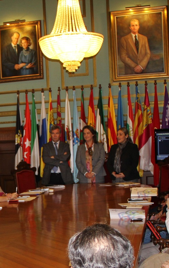 La Diputación Provincial presenta a los empresarios de la Costa Tropical el proyecto Nexotour