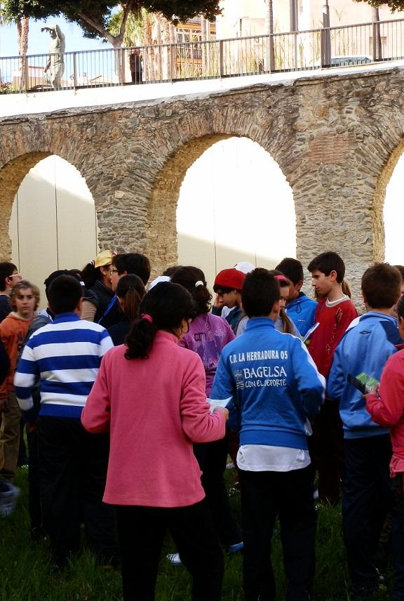 Los alumnos del CEIP Las Gaviotas se convirtieron en ciudadanos de la antigua Sexi por un día