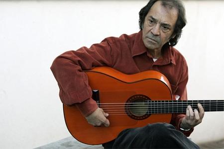 El guitarrista, Pepe Habichuela, actúa  este viernes en  Almuñécar