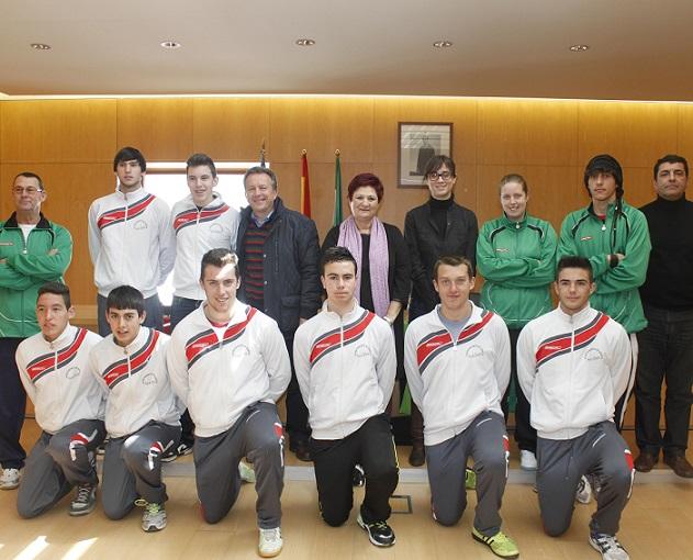 El Ayuntamiento respalda al equipo juvenil de voleibol de Órgiva clasificado para el campeonato de Andalucía