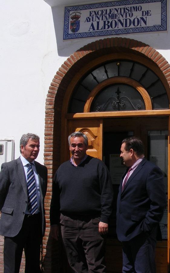 La Mancomunidad y Ayuntamiento de Albondón resuelven el problema del suministro en las cortijadas de la Contraviesa