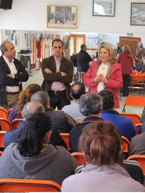 La alcaldesa de Almuñécar garantiza el futuro del Mercado Municipal
