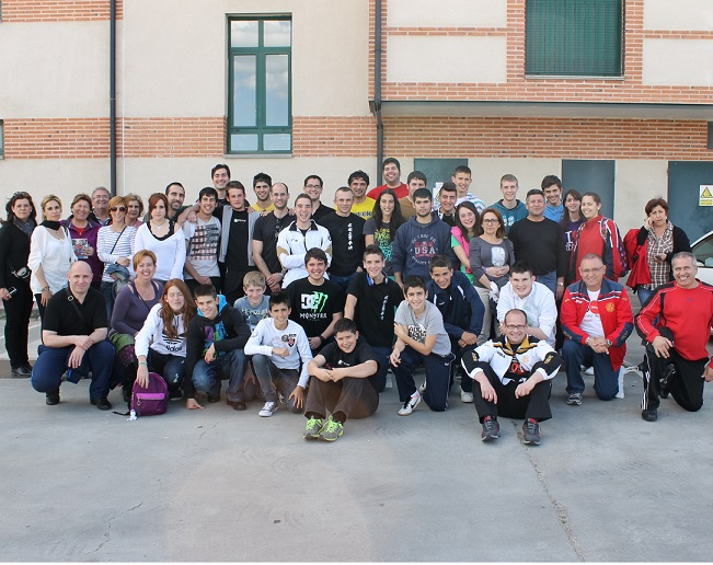 Catorce podios de  los deportistas sexitanos del Club de Kenpo Almuñécar en el Campeonato de España