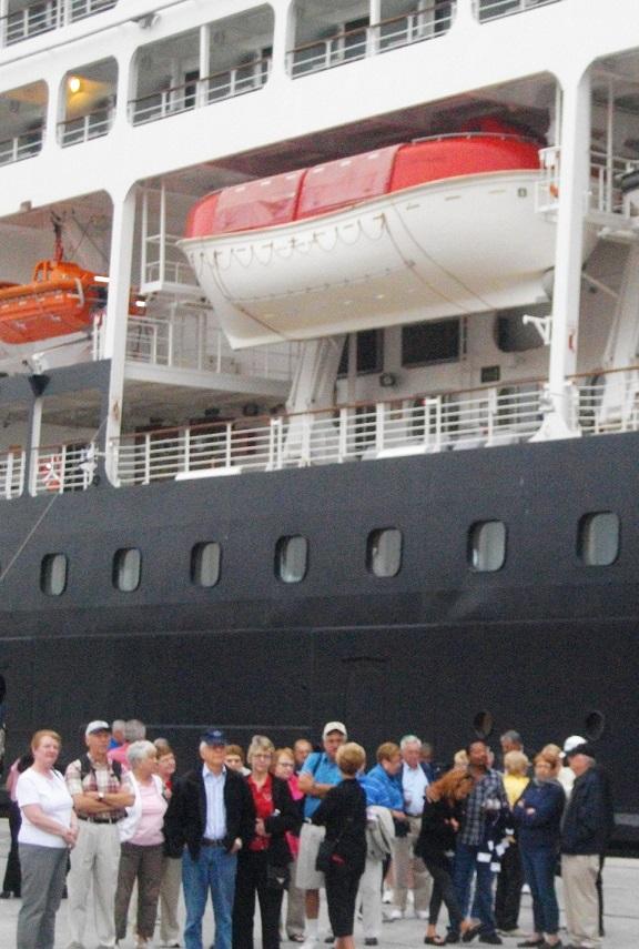 La mayoría del pasaje del crucero Azamara Quest visita la ciudad de Motril