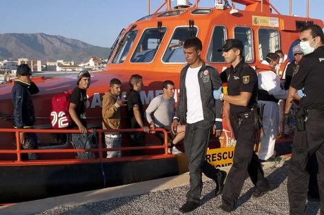 Interceptan una patera con siete inmigrantes a ocho millas de costa granadina