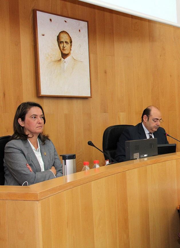 Diputación pide a la Junta que abone la deuda pendiente en Servicios Sociales